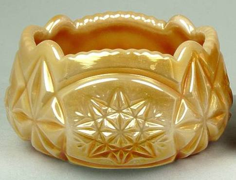 Riihimaki Starburst, marigold on milk glass